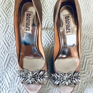 Badgley Mischka Giana Pump